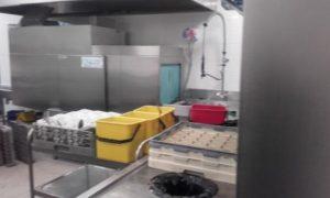 Après le repas, direction le grand lave vaisselle
